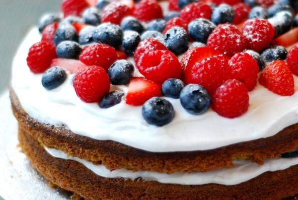 rcp_dessert_CoconutBerriesCakes